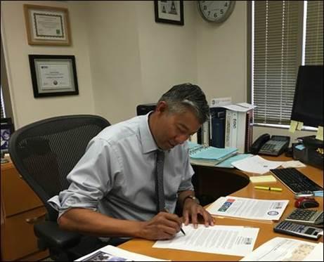SantaAna-CA-Signing